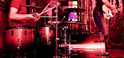 Schlagzeug- und Gitarrenlehrer:in gesucht! (Esslingen/Köngen)